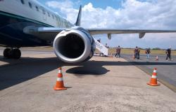 Urubu bate em turbina de avião e cancela voo para Alta Floresta