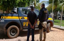 PM é preso com 48Kg de maconha em estrada de Mato Grosso