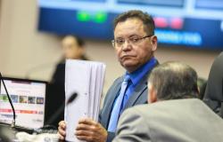 Presidente da ALMT, prefeito de Cuiabá e ex-deputados são denunciados por desvio de verbas indenizatórias