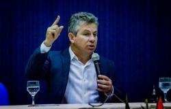 Governador pede fim da greve mas reforça não pagar o ajuste de 7,6% a professores