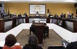 Governo e Assembleia Legislativa de MT ultrapassam limites de gasto com folha salarial