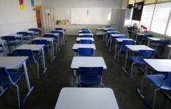 GREVE NA EDUCAÇÃO: Com 50 dias de aulas perdidas um novo calendário escolar deve ser definido