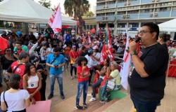 Reposição de 42 dias tem que respeitar a jornada de 30 horas dos professores, diz Sintep