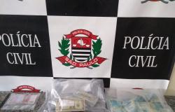 Policia encontra dólares, euros em imóvel do proprietário do avião fez pouso forçado em Alta Floresta com R$ 4,6 milhões