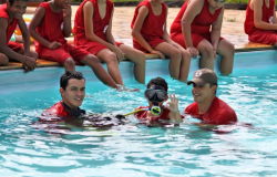 Alunos do projeto Bombeiro do Futuro de Nova Monte Verde recebem instrução de Salvamento Aquático e Mergulho Autônomo