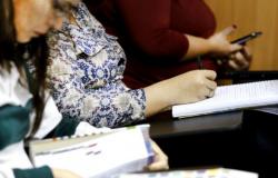 Lei proíbe universidades de MT de cobrar taxa extra para prova e repetência