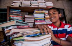 MEC exige que escolas deixem um responsável para receber livros didáticos para 2020