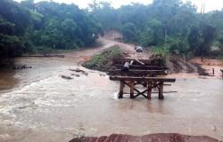 Chuva causa estragos e derruba ponte em Aripuanã