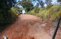 Prefeitura de Nova Monte Verde intensifica recuperação de pontos críticos na área rural
