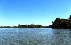 Em Carlinda, bombeiros buscam pai e filho desaparecidos no rio Teles Pires