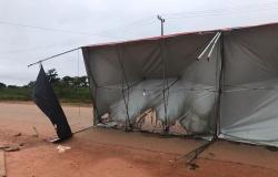 Vândalos ateiam fogo em barraca da Barreira Sanitária em Nova Monte Verde