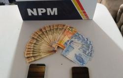 Dupla é detida por distribuir notas falsas no comércio em Carlinda