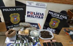 Policia Militar e PJC apreendem cinco pessoas com armas, munições e drogas em Alta Floresta