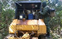Batalhão Ambiental prende suspeito por poluição e desmatamento e apreende trator em Apiacás