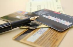64% deixaram de pagar alguma conta no último mês por causa da pandemia