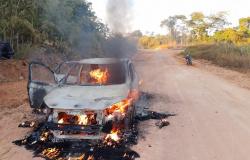 Paranaíta: PM impede furto a banco e prende suspeito incendiando carro para fugir