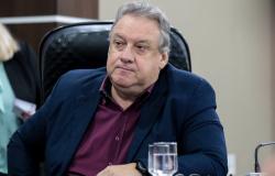 Romoaldo Júnior deverá voltar à suplência após exoneração de Allan Kardec
