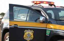 Van da prefeitura de Guarantã do Norte se envolve em colisão com caminhão na BR-163