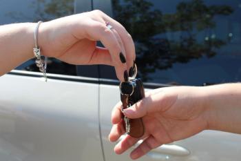 Comunicação obrigatória de venda de veículos pode ser realizada em 40 cartórios do Estado