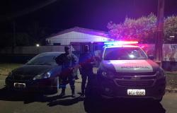 Policia Militar de Nova Bandeirantes apreende armas e recupera carro roubado
