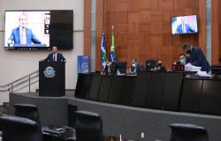 Deputados aprovam mudança nas regras de aposentadoria dos servidores públicos