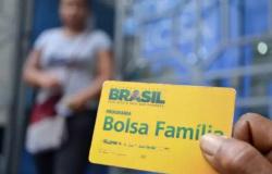 Bolsa Família começa a receber última parcela do auxílio dia 18