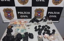 Operação desarticula grupo criminoso e apreende drogas, veículos, armas e munições em Juína