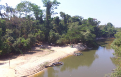 Bombeiros são acionados para realizar buscas por jovem desaparecido no rio São João em Nova Monte Verde