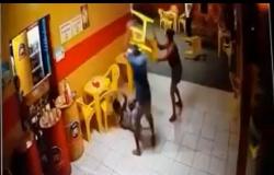 Marido é preso suspeito de esfaquear mulher e cliente por ciúmes em bar de MT