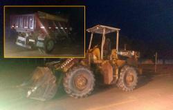 APÓS FURTO: Polícia Militar de Paranaíta recupera caminhão e máquina pesada
