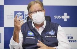 """""""Ainda não vencemos a pandemia"""", diz secretário de Saúde"""