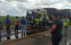 Colisão entre quatro veículos deixa dois feridos na BR-163