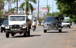 Governo do Estado apresenta alternativas para regularização de veículos; veja prazos e medidas