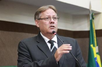 Saúde investiga 5 casos suspeitos de reinfecção em Mato Grosso