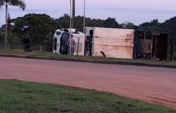 ALTA FLORESTA: Câmera de segurança mostra momento do acidente com caminhão de coleta de lixo