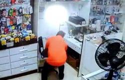 Ladrão que roubou 5 mil de comerciante é procurado em Alta Floresta, veja o vídeo