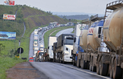 Greve de caminhoneiros pode ocorrer no dia 1º de fevereiro