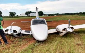 Avião bimotor faz pouso forçado no interior de MT; não há feridos