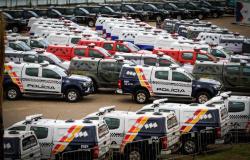 Estado economiza R$ 17 mi e fortalece forças de segurança com entrega de viaturas
