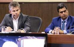 Emanuel já sinaliza para disputa com Mauro Mendes em 2022