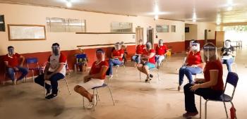 Escola de Nova Canaã entrega apostilas e cronograma do plantão pedagógico