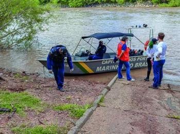 """Capitania Fluvial de Mato Grosso promove ação de combate ao lixo durante Operação """"Verão 2020-2021"""""""