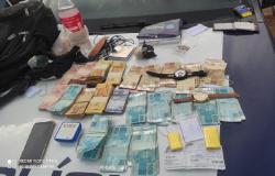 Em Nova Guarita, PM prende três e recupera quase 1 kg de ouro e R$ 23,7 mil de roubo