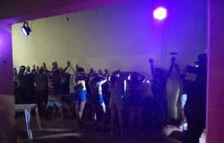 MT - PM fecha festa com aglomeração e presença de menores com bebidas alcoólicas e drogas