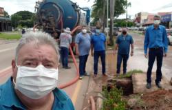 Vereadores Tuti e Francisco Ailton acompanham desentupimento de galeria pluvial