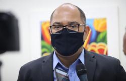 CUIABÁ: Projeto de Lei de prevê multa para quem furar a fila de vacinação é aprovado