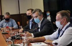 Governador anuncia 160 novas UTIs, 500 leitos clínicos e 500 mil testes; veja todas as ações