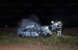 Motorista morre carbonizado em acidente entre três veículos na BR-163 em Lucas do Rio Verde