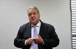 AL aprova afastamento de Nininho e suplente Romoaldo voltará à Casa de Leis