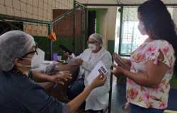 Prefeitura de Nova Monte Verde entrega kit de prevenção à covid-19 para população